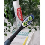 Colgate Replaceable head manual tooth brush