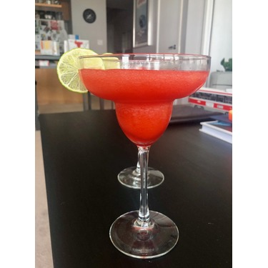 Mott's Mr & Mrs T Strawberry Daiquiri Cocktail Mix